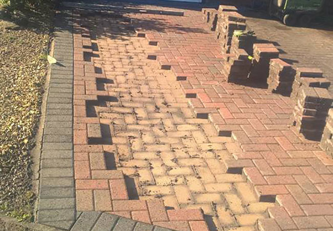 Block paving repair to sunken area of driveway, we also cleaned and resanded the driveway (Wollaton, Nottingham)