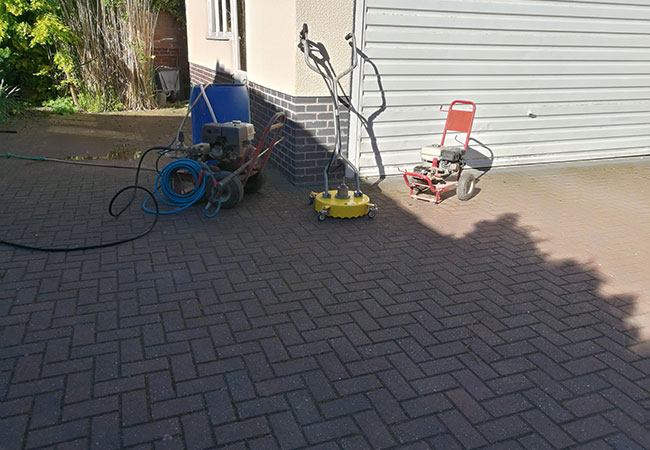 Driveway clean and resand in Radcliffe on Trent, Nottingham (before)