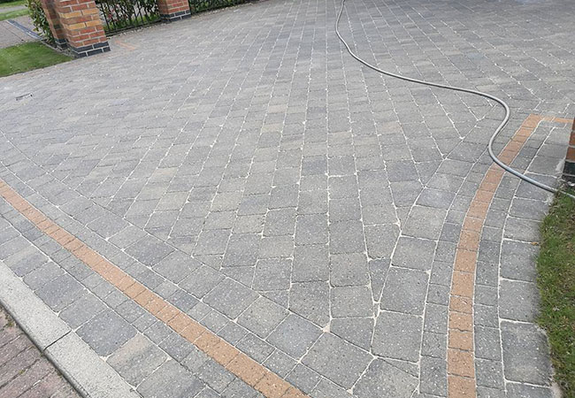 A driveway clean and resand at Radcliffe on Trent, Nottingham (after)