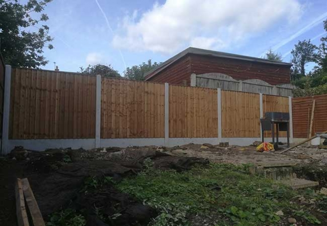 A fence we installed at Gedling, Nottingham using concrete post and gravel boards with close boarded panels.