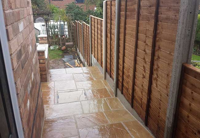 A close boarded fence we created using concrete fence post, concrete gravel boards and the close boarded panels in Gedling Nottingham