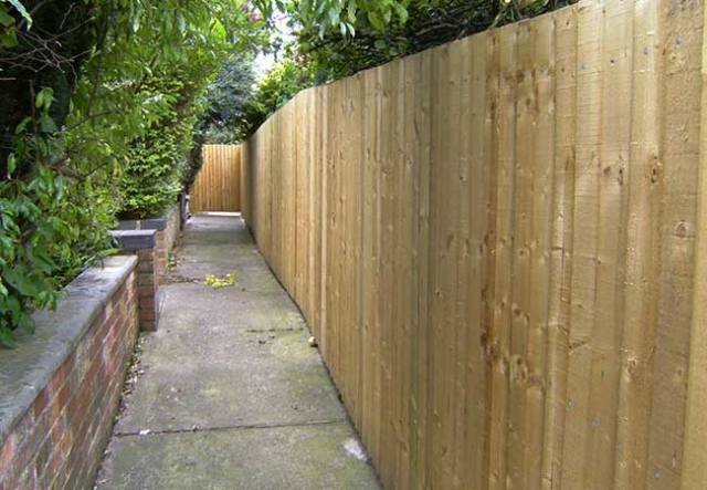 A Custom made close boarded timber fence we installed in Gedling Nottingham