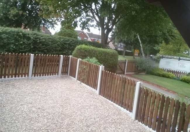 A picket fence we install at hempshall vale Nottingham using concrete posts, concrete gravel boards and the timber picket fence, we also installed all the gravel on a heavy duty weed membrane.